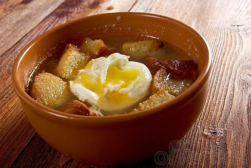 Super Nem Aftensmad: Hvidløgssuppe